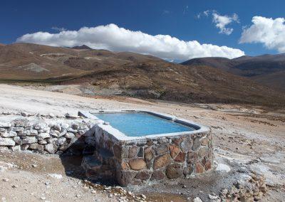 Heiße Quellen speisen den Pool, Chile