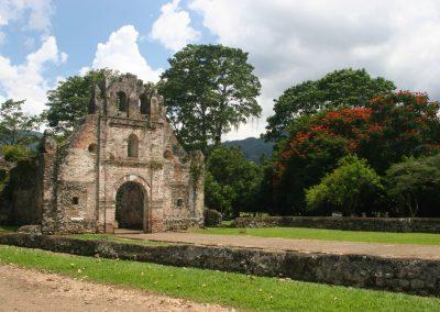 Kirchenruine nahe San Jose, Costa Rica