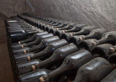 Flaschen im Keller, Champagne, Frankreich