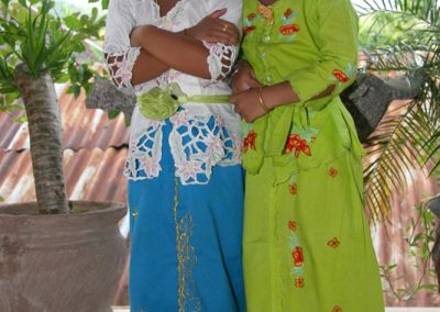 Kinder, bereit für das Tempelfest, Padangbai, Bali
