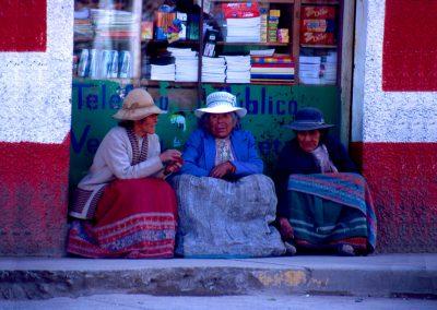 Drei alte Frauen, Peru